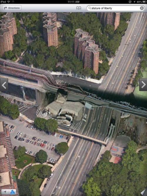 Jembatan Williamsburg Bridge di New York terlihat seperti dipelintir
