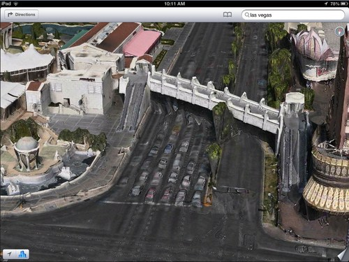 Las Vegas meleleh, mobil-mobil pun ikut tenggelam terkubur aspal!