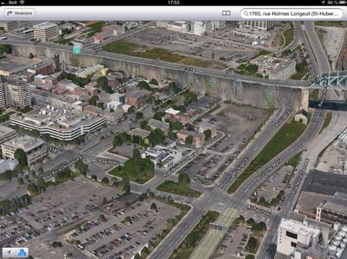Jembatan Jacques-Cartier tampak seperti sebuah tembok besar pemisah 2 kota.