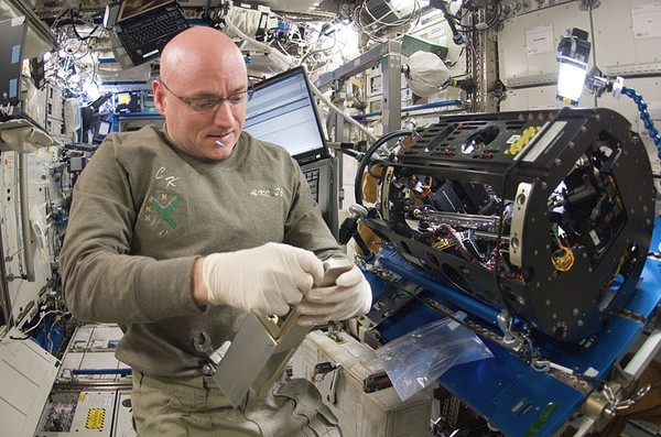 Pengen Melihat Satelit ISS yang Sedang Mengorbit?