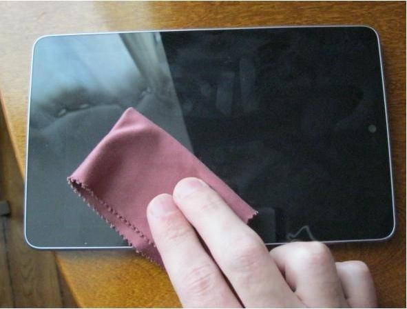Tips Membersihkan Layar Tablet atau Smartphone Touchscreen