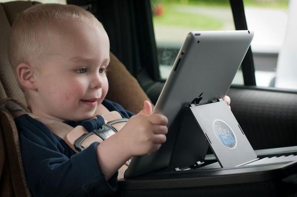 Ketahui Usia Ideal untuk Mengenalkan Gadget Pada Anak-anak
