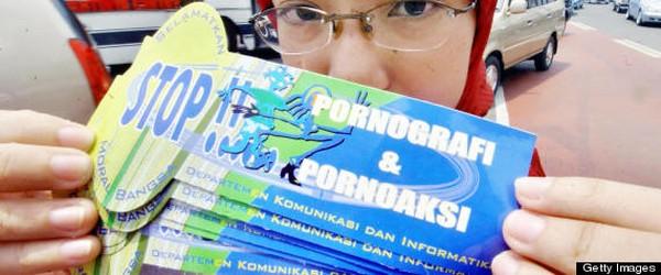 Perang terhadap Pornografi di Internet - Dunia dan Indonesia